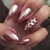 Metallic Nail Art Design | Have You Heard Of Chrome Nails?