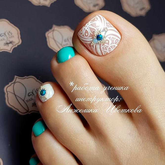 Beautiful Toe Nail Art Ideas To Try