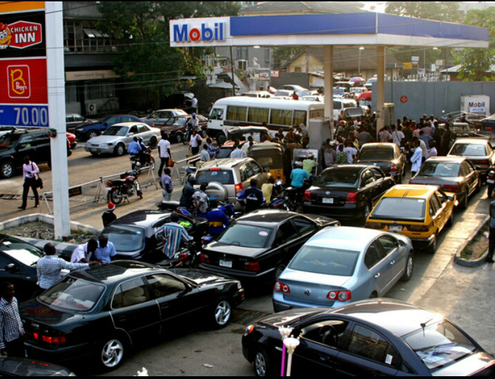 Filing station and fuel queues