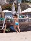 Avril Lavigne Beach Nip Slip (Photo)