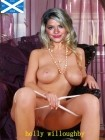 holly-willoughby-fakes-019