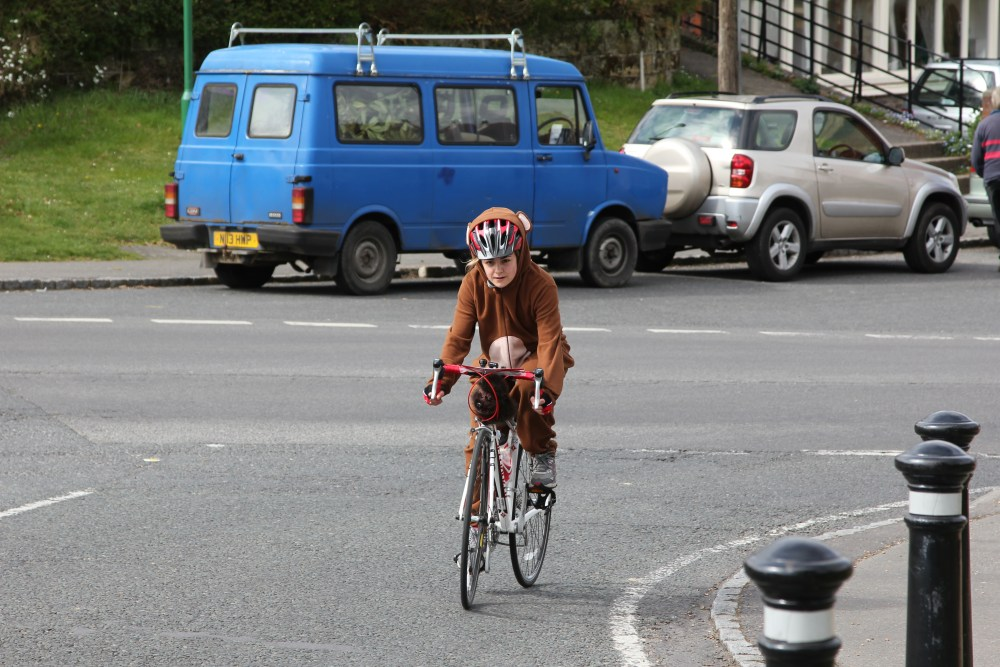 Stop Press: Monkey seen cycling from London to Brighton!! (5/6)