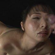 美人メイドの凄い高速ノーハンドフェラ&大量顔面射精