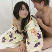 浴衣姿の激カワ美少女が激しいSEXに乱れまくるw