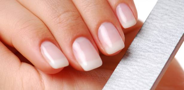 Viciadas em Esmaltes- Lixando as unhas
