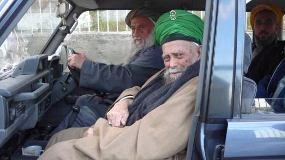 Maulana in car 1024x576 Arahan terkini selepas malam Baraat (Nisful Shaban)