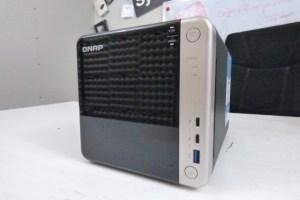 QNAP TS-453BT3 Front Panel