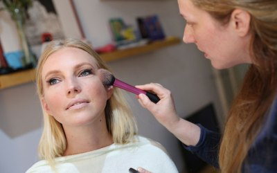 Tips on how to prepare your make up for a photo shoot. An interview with Žana Česnik