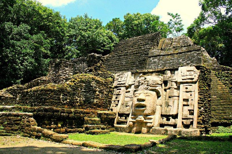 Mayan-Ruins-Belize2