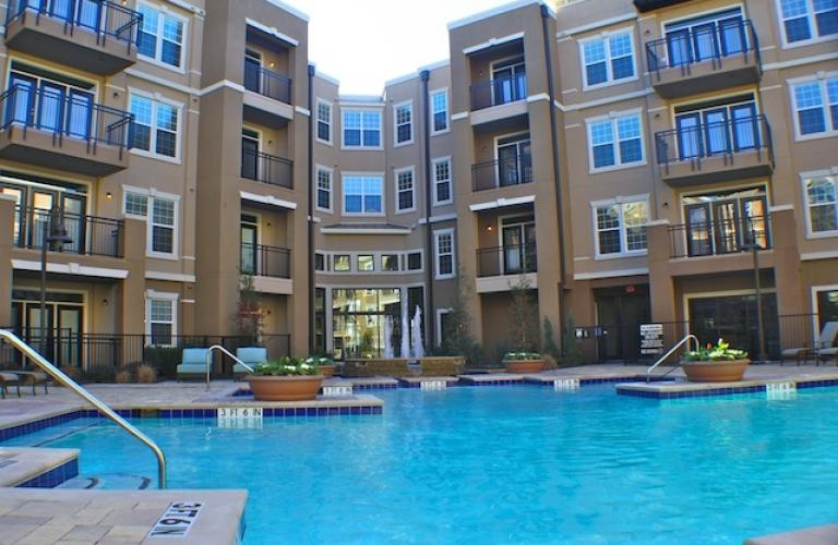 Guest Bathrooms Via Las Colinas - Irving, Tx