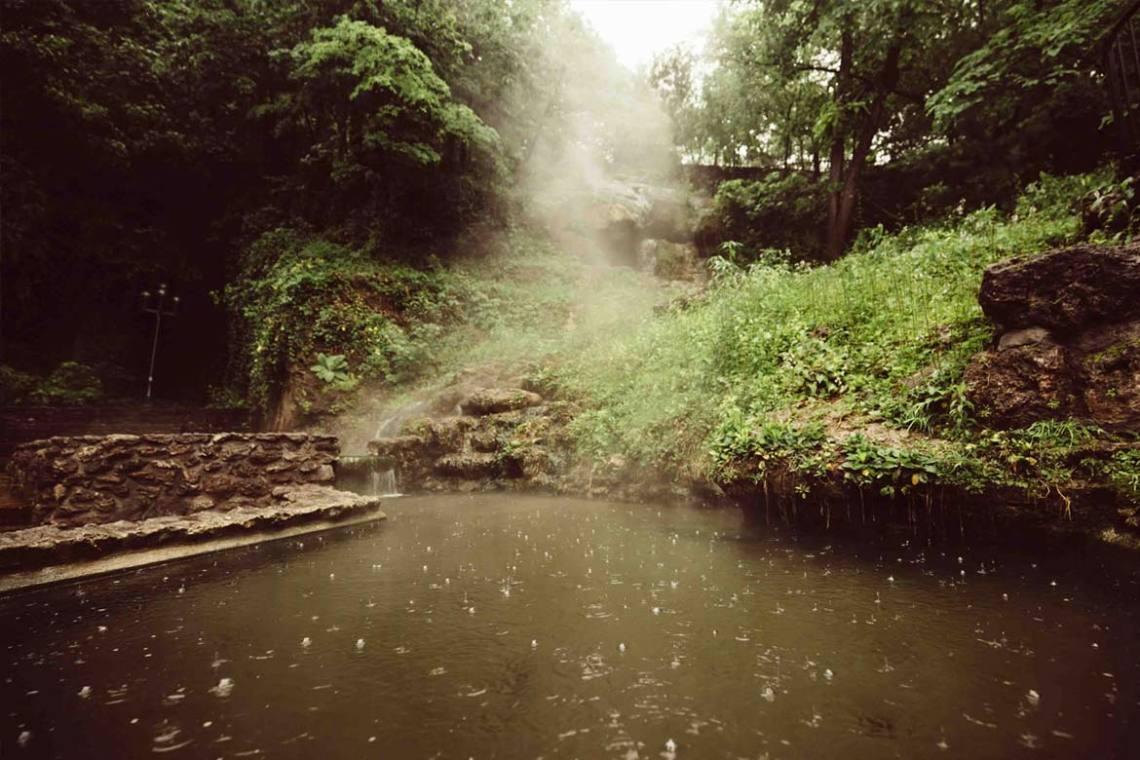 7_memorable_moments_hot_springs_rain