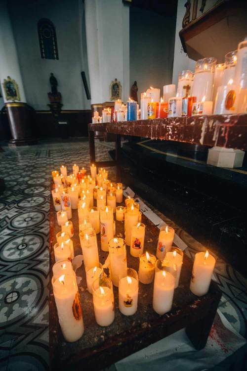 colombia_coffee_break_concordia_church_candles