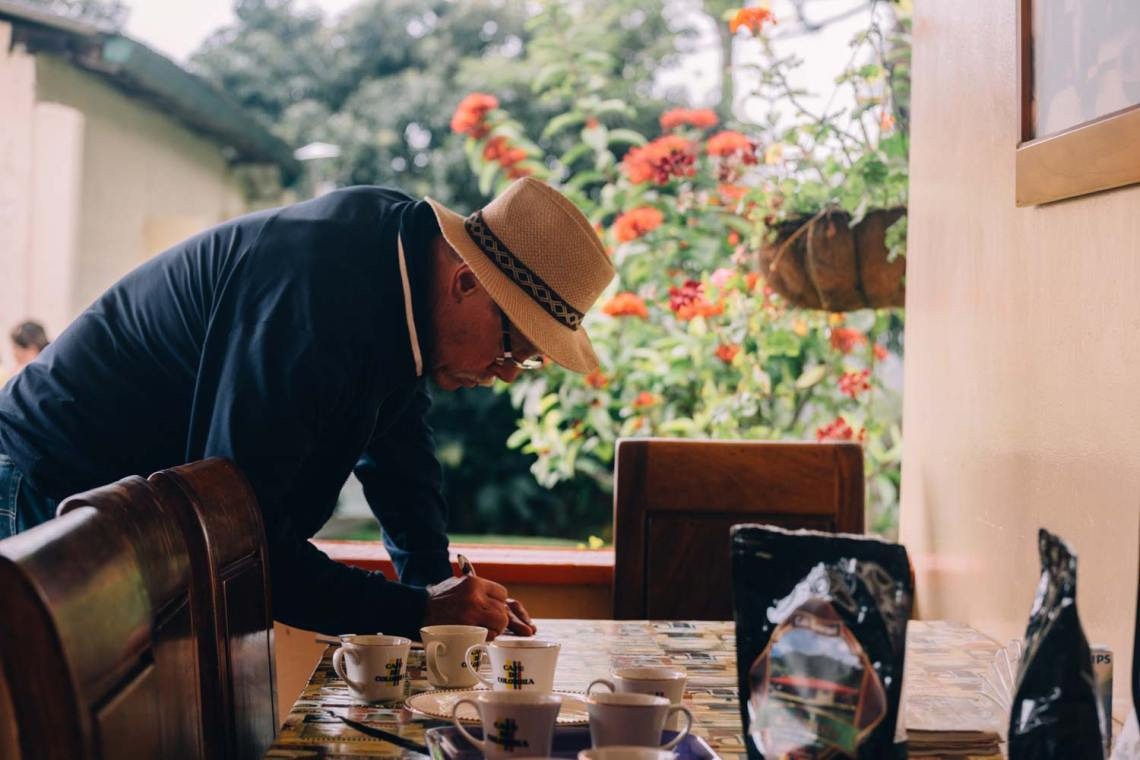 colombia_coffee_break_farm_tour_recording_coffee_specs
