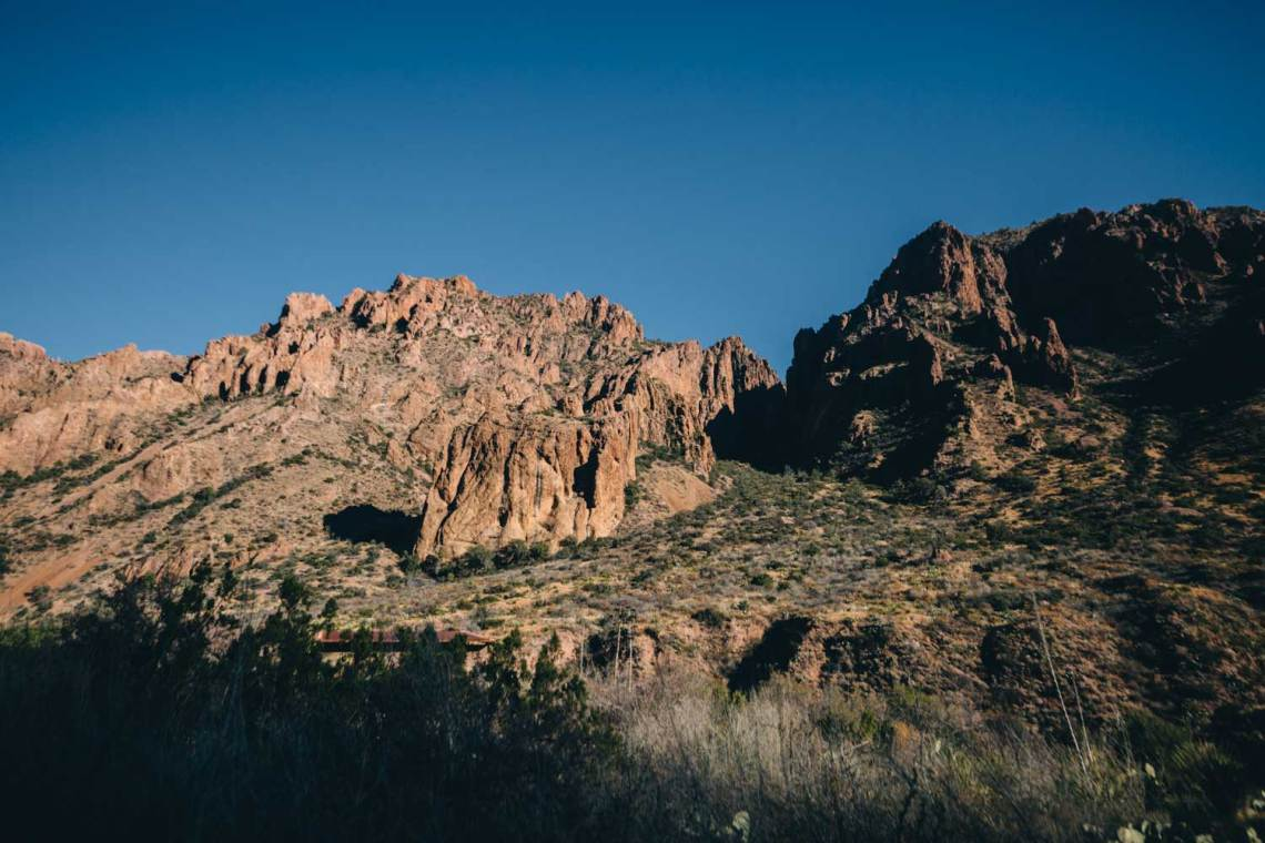 road_into_big_bend_first_impressions_chisos_basin_2