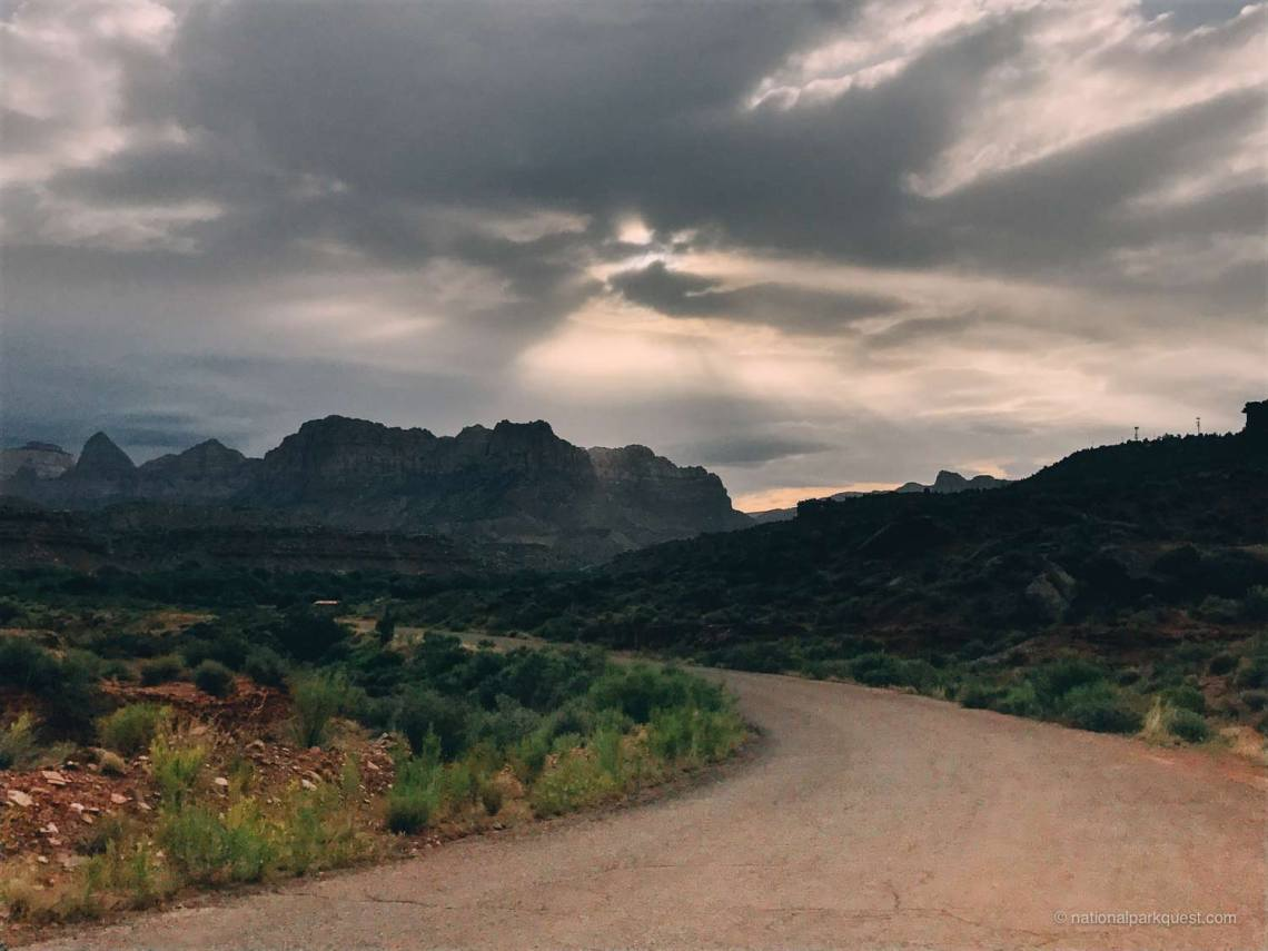 magical_trails_zion_national_park_quest_dirt_road