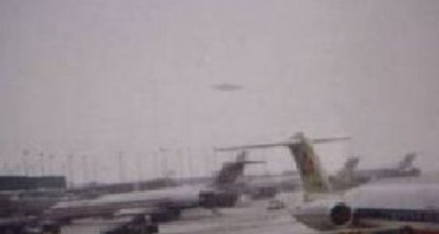 UFO Photo over Ohare Nov 7 2006
