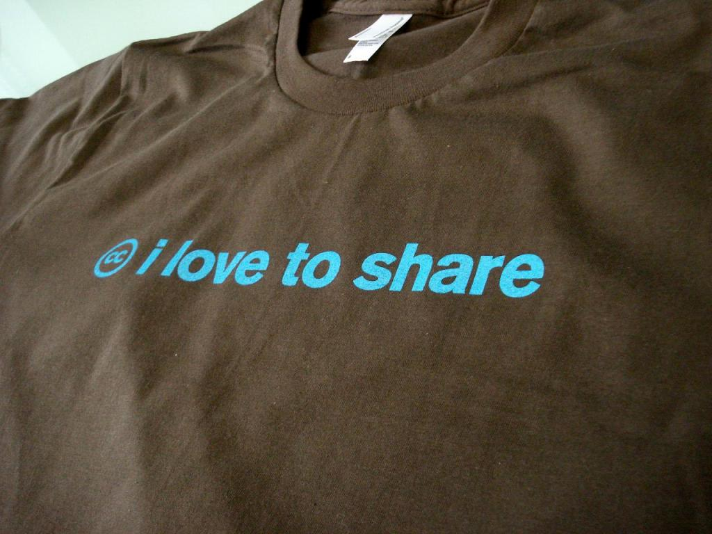i love to share by Creative Commons - Mountain View HQ, licensed under CC BY 2.0