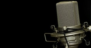 radio microphone-1007154_640