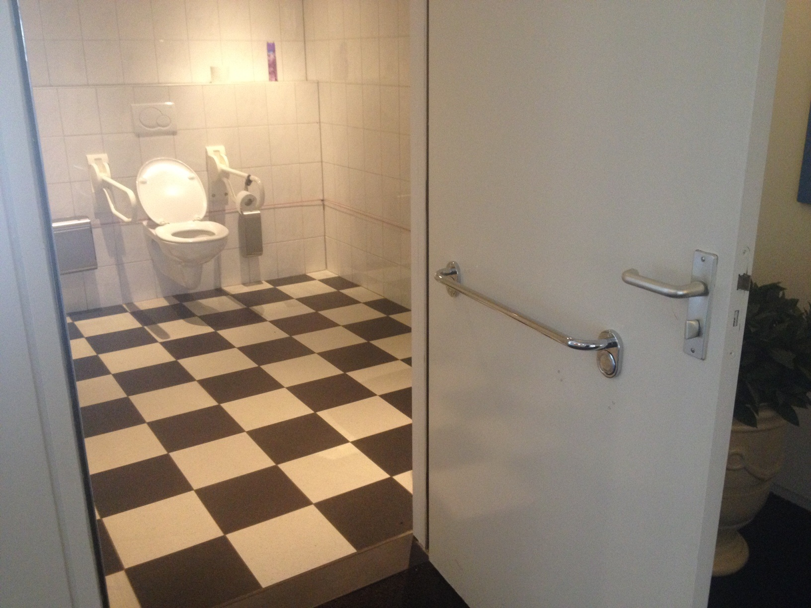 Badkamer Voor Ouderen : Badkamer aanpassingen senioren en invaliden verbeterde