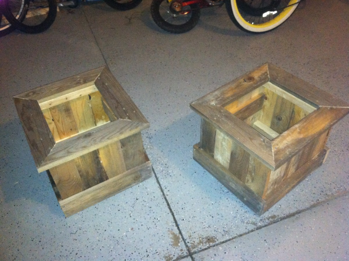 Diy Planter Box From Pallets Pallet Wood Planters And Monogramed Door Mat Curb Appeal