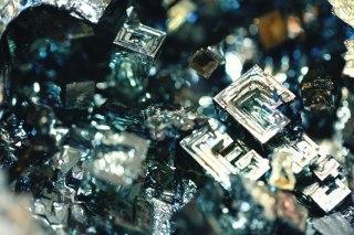 【高解像度】四角いビスマス人工結晶(3パターン)