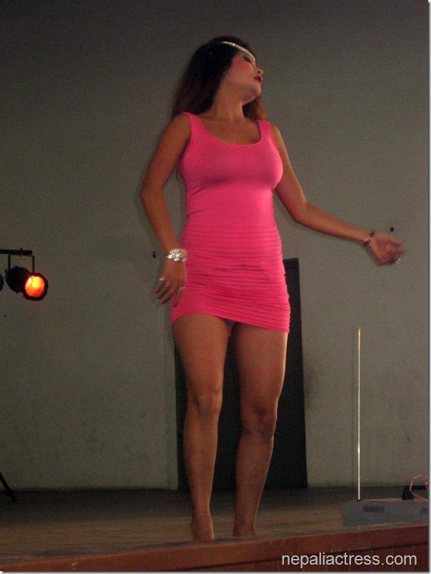 susma-Karki_malaysia_dance (3)