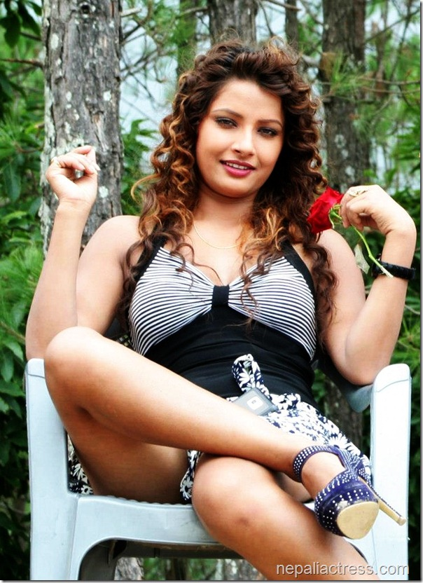 sumina ghimire with rose