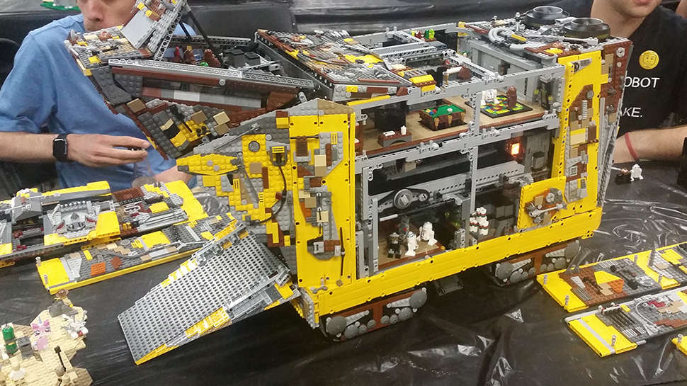 Tatooine Would Be Cooler with this Custom LEGO Technic Sandcrawler