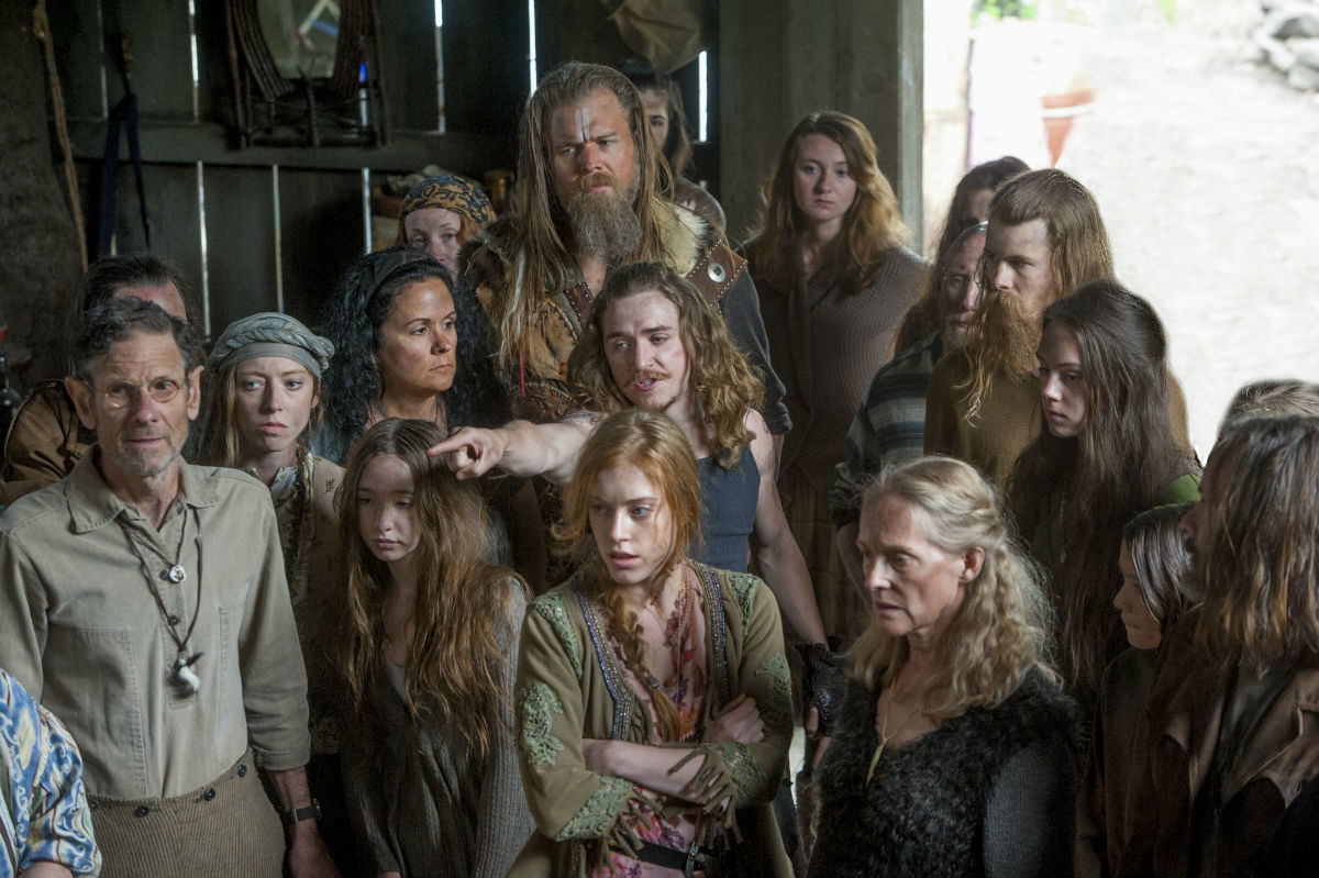 Dream About Wallpaper Falling Off Outsiders 2x01 And The Three Shall Save You Review