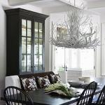Dining room: chandelier