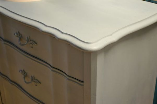 Furniture painters in Chicago, Brookfield, Hinsdale, La Grange, Riverside, Oak Park, IL