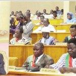CONVOCATION D'UN RÉFÉRENDUM AU BURKINA FASO:   81 députés font appel à l'arbitrage de Blaise