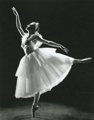 This is an image of ballerina Jocelyn Vollmar as Myrthe in Giselle, San Francisco Ballet, 1947.