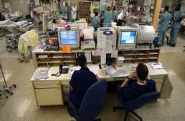 This image shows nurses working in an ICU.