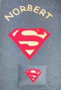 Szuperman logo középkék alapon