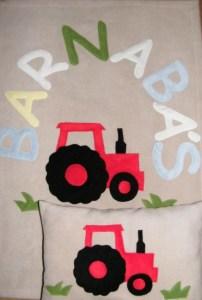 Piros traktor drapp alapon