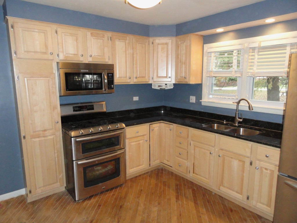 photos kitchen cabinets refacing 12 Cabinet refacing in traditional natural maple with satin nickle hardware