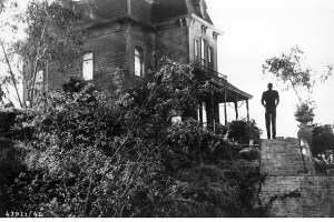 PSYCHO 1960 Norman outside the Bates house
