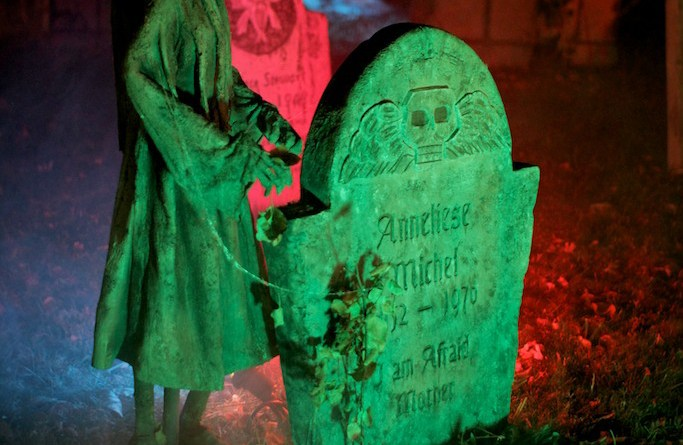 Mourning Rose Manor 2013 Anneliese Michael skeleton and gravestone