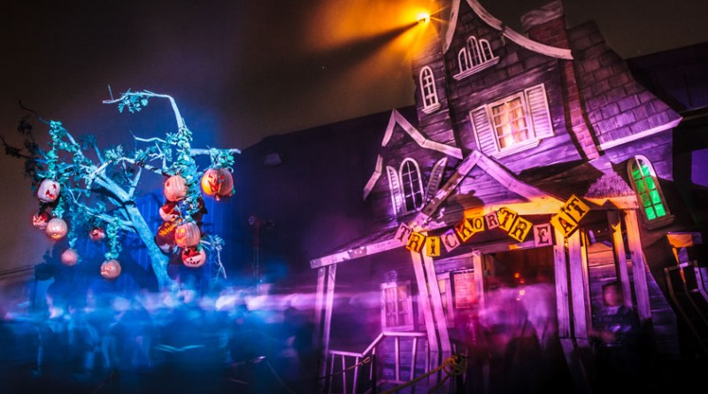 Knotts Scary Farm 2013: Trick or Treat Exterior