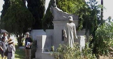 Hollywood Forever Cemetery: Art Deco Society Tour