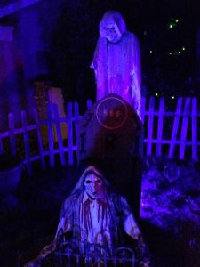 coffinwood-cemetery-corpse-in-ground