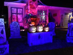 haunted-grounds-2016-pumpkins-talking-2