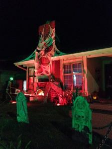 haunted-grounds-2016-yard