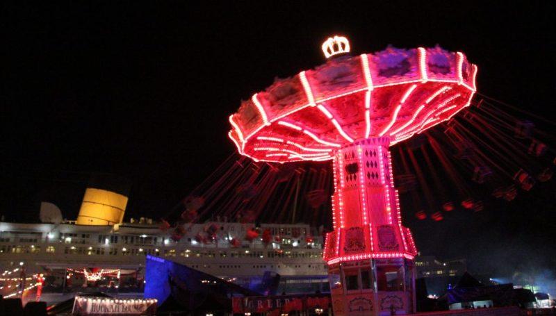 queen-mary-dark-harbor-merry-go-round