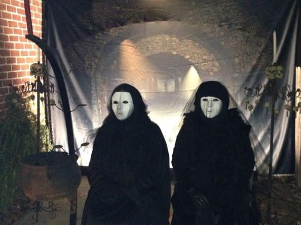 forgotten-hollows-girls