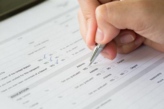 副業でお金を稼ぐのに簡単なアンケートに回答して収入を得る方法〜マクロミル,サイバーパネル,infoQnado