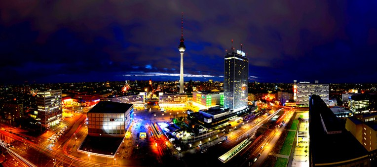 Berlin_AlexanderPlatz_Panorama1