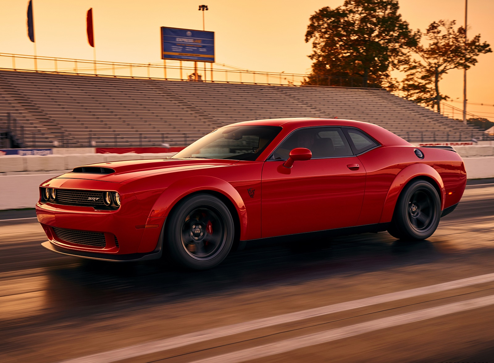Challenger Hd Wallpaper 2018 Dodge Challenger Srt Demon Side Wallpaper 30 Hd Wallpapers