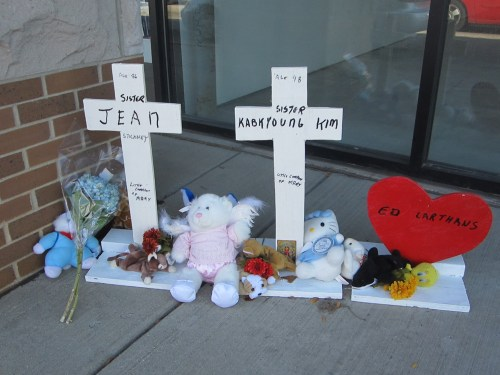 Memorials to the people who died in the Oak Lawn car crash. Photo: John Greenfield